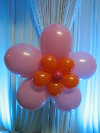 giant flower its my party 322x430 Its My Party   Balloon Decor and Party Supply Store   Dyer, Indiana